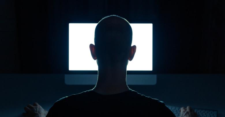 Χάκερς έκλεψαν εκατομμύρια με spoofing σε χιλιάδες κινητά