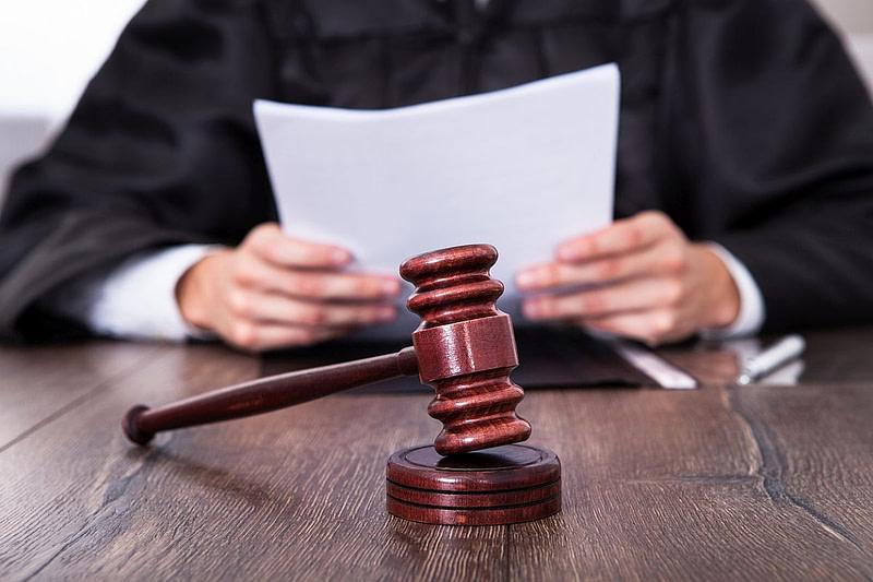 COVID-19: Τρεις άνδρες κατηγορούνται για πλαστογράφηση του site της Moderna