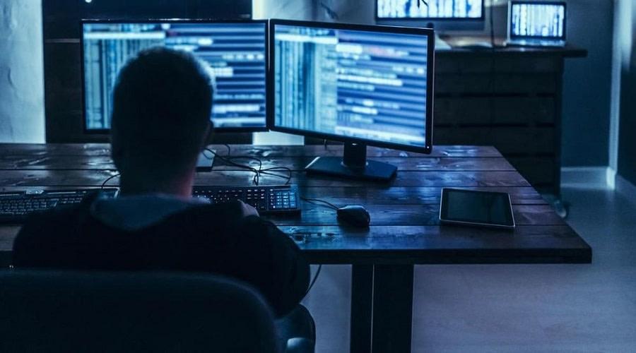 χάκερς σε ιστότοπους για τράπεζες