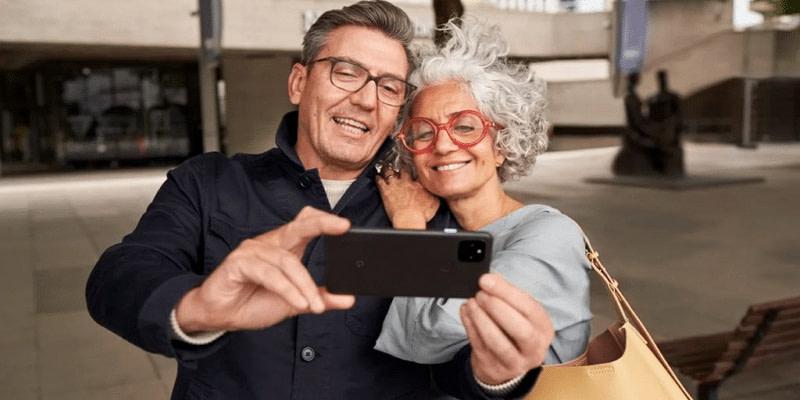 Google: Θα δείχνει όταν κάνετε photoshop στις selfie σας