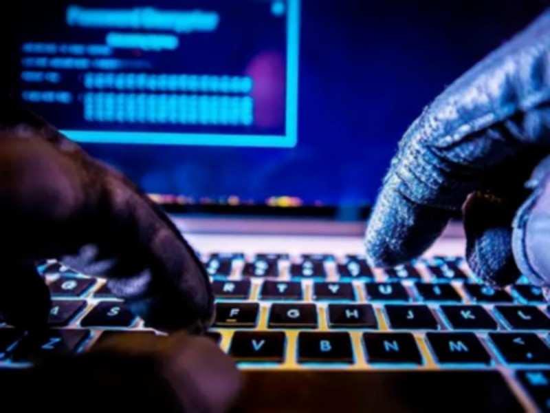 χάκερς - logins -Amazon, Facebook, Apple - tech giants