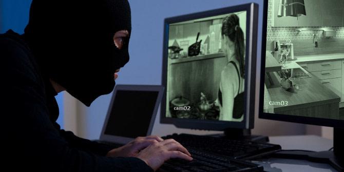 Ποινή φυλάκισης με αναστολή-Βρετανόw  χάκαρε κάμερες και CCTV για να κατασκοπεύσει θύματα