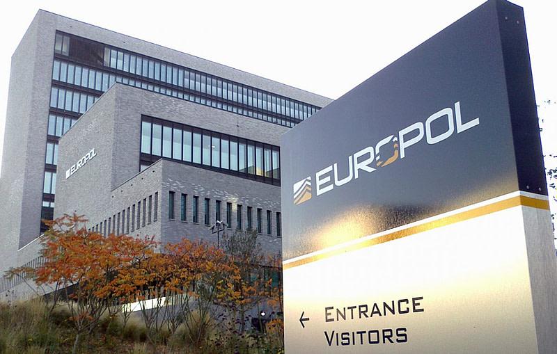Ιρλανδία: Η Europol καταδιώκει οικογένεια για «ξέπλυμα» €4 εκατομμυρίων
