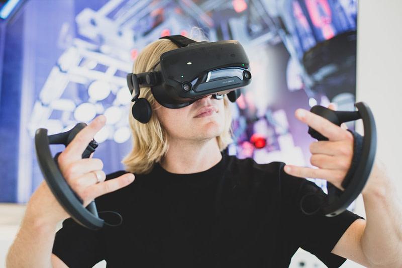 Εικονική πραγματικότητα (VR): Λύση σε προβλήματα της πραγματικότητας;