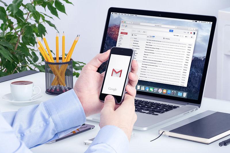 Google: Εξηγεί με ποια κριτήρια οι χάκερς «χτυπούν» στόχους με phishing ή malware