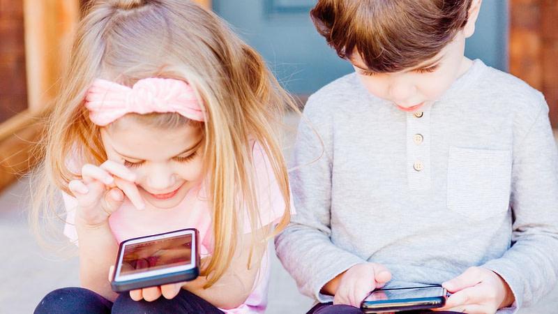 Γενικοί εισαγγελείς Facebook Instagram για παιδιά