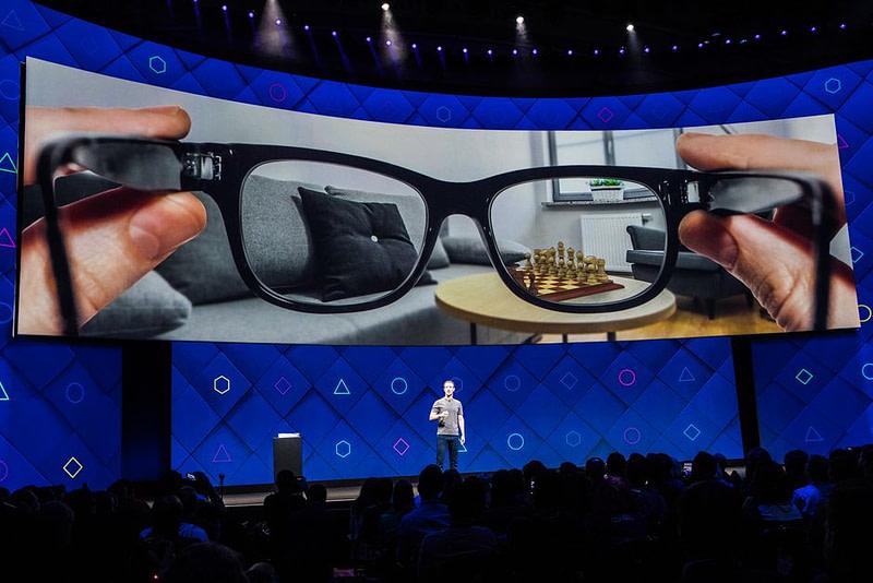 Facebook - Γυαλιά Επαυξημένης Πραγματικότητας (AR)