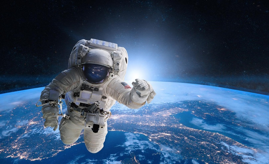 Η SpaceX άρχισε να στέλνει πολίτες στο διάστημα!